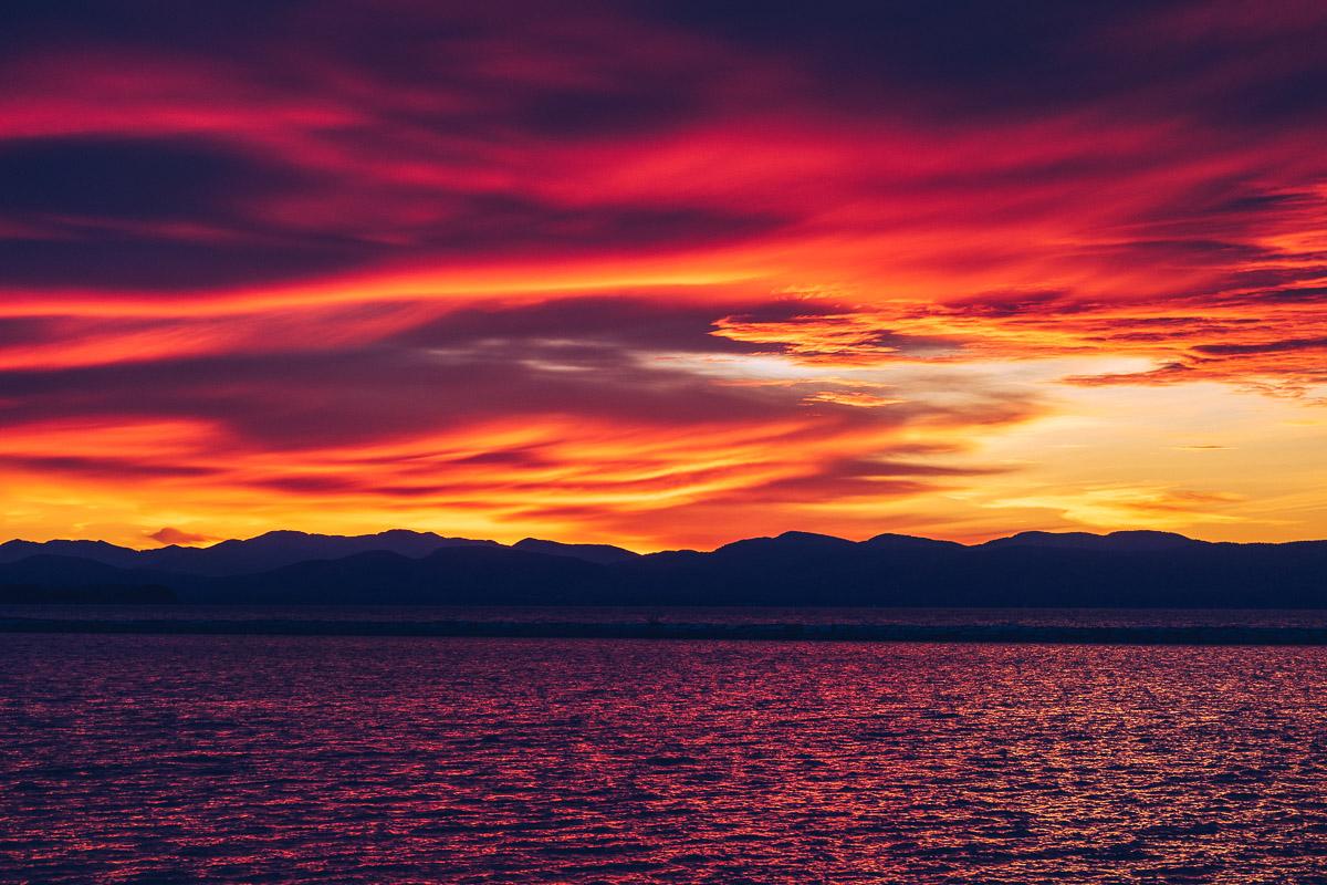 Refuse to hibernate Burlington couche de soleil montagne lac Champlain