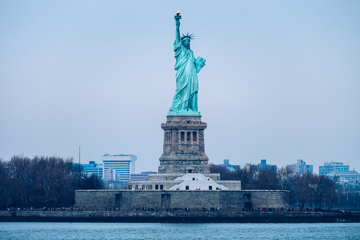 refuse to hibernate new york statue de la_liberte_staten island ferry