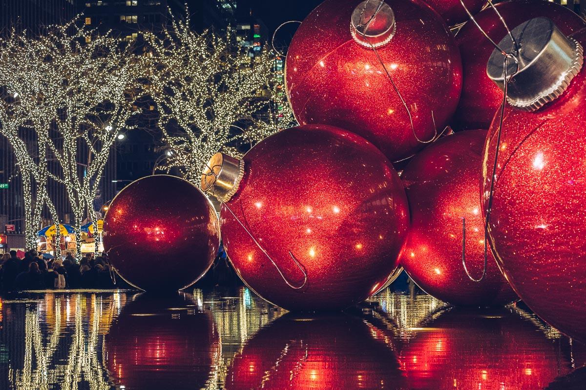 refuse to hibernate new york boules noel rouge