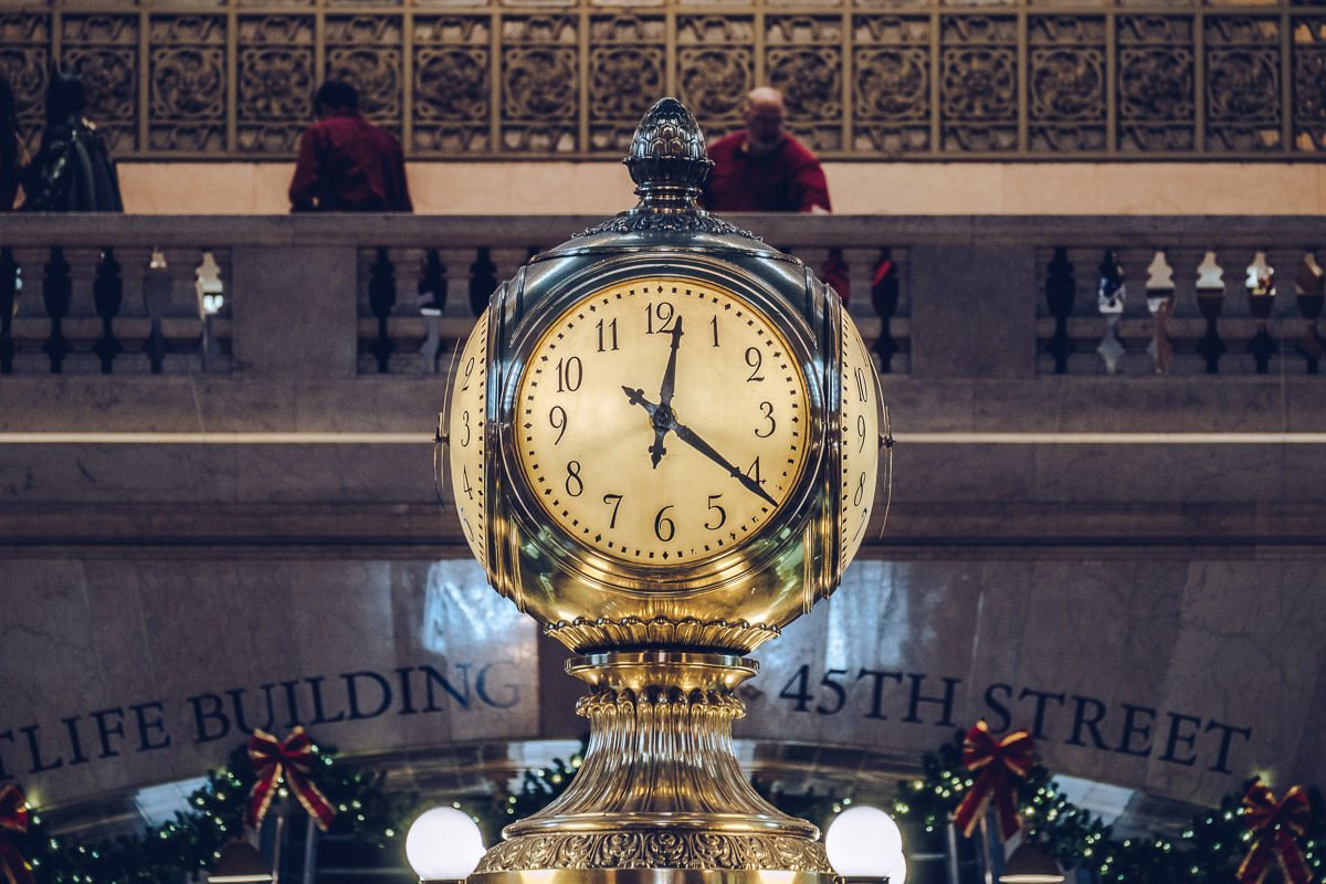 refuse to hibernate new york horloge grand central noel