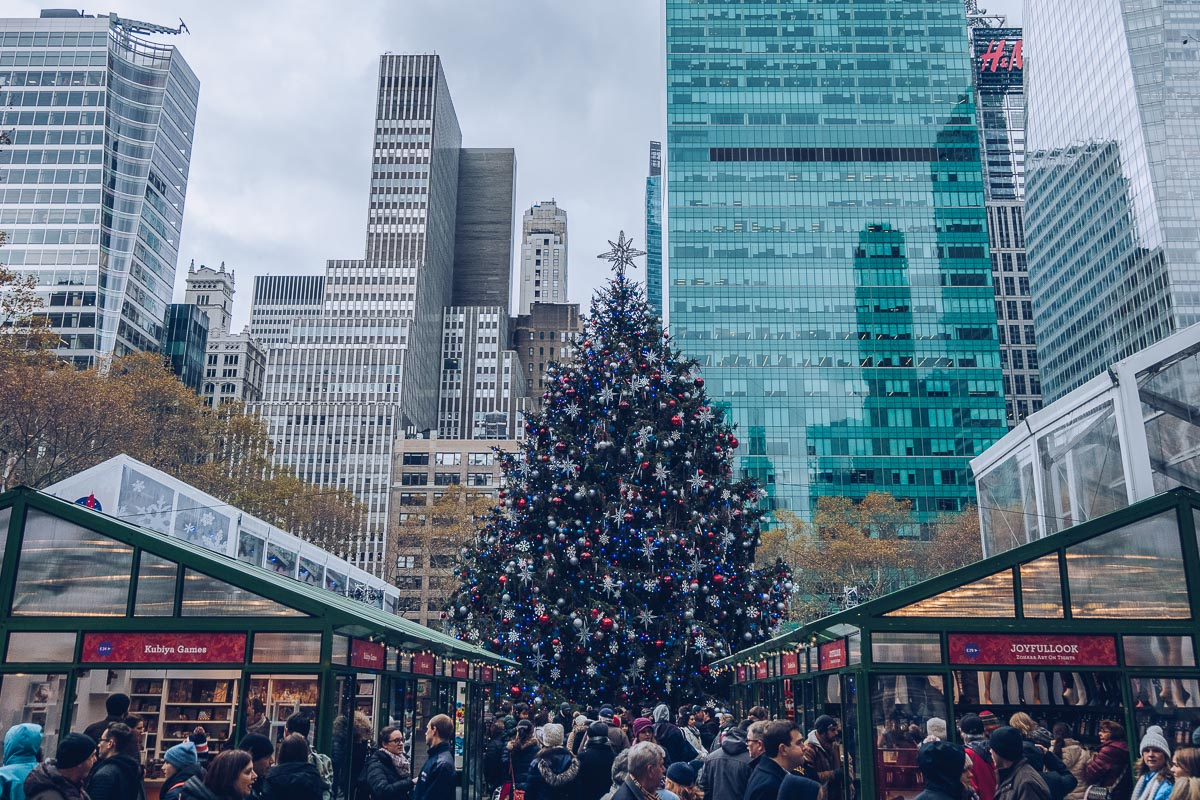 refuse to hibernate new york sapin noel bryant park