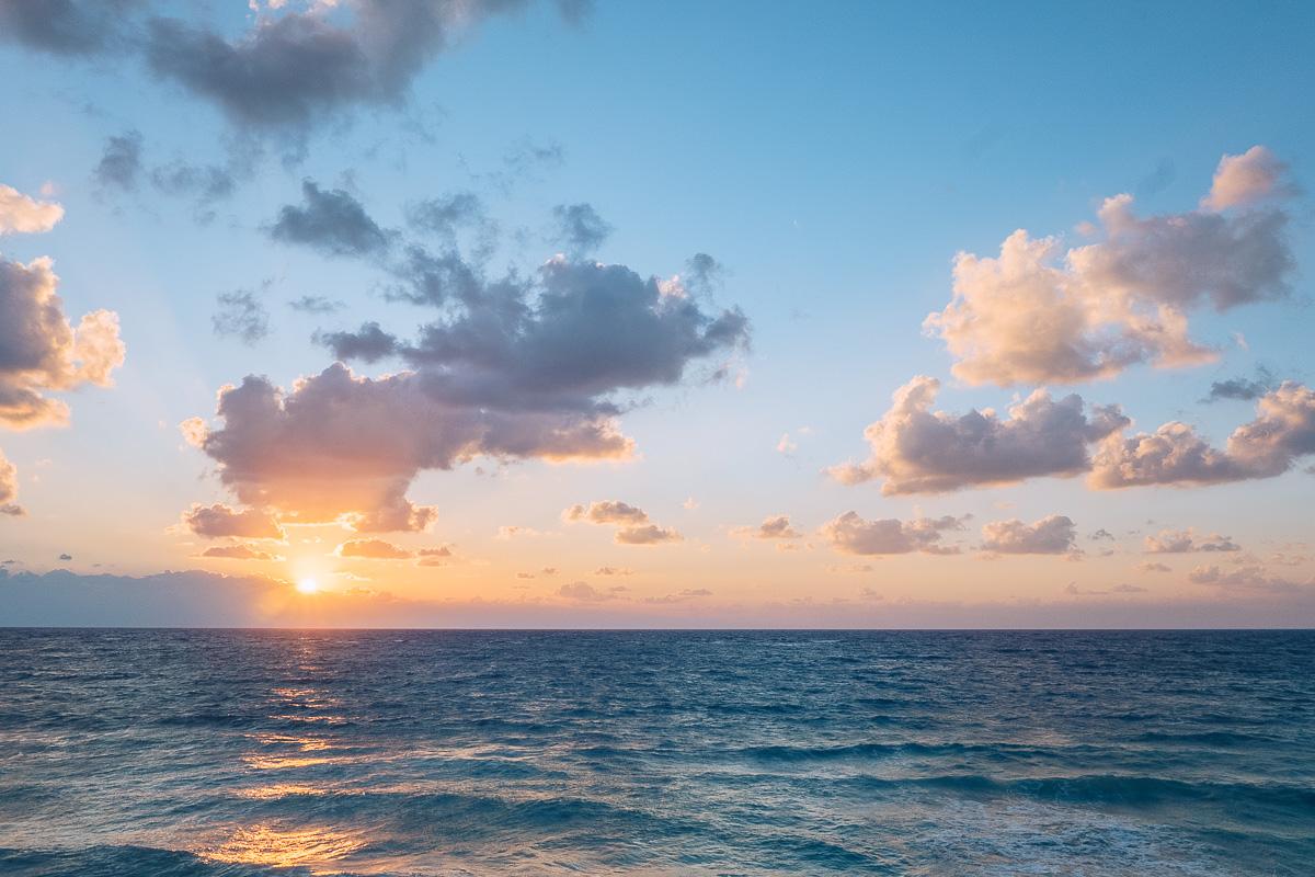 Refuse to hibernate tulum maria del mar lever du soleil