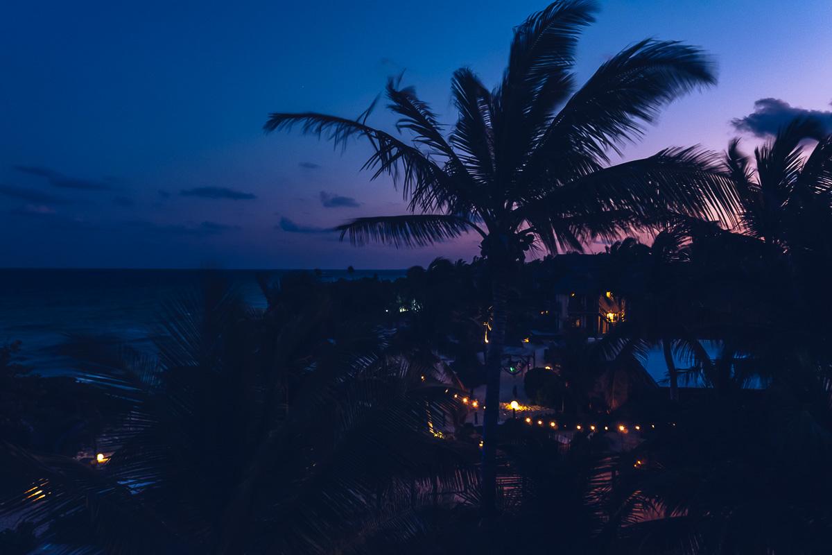 Refuse to hibernate tulum vue de nuit maria del mar