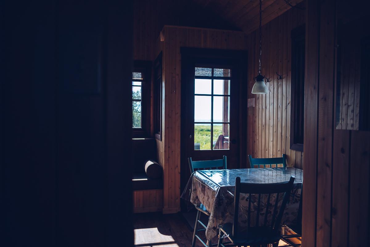Refuse to hibernate domaine floravie interieur tiny house vue vers exterieur