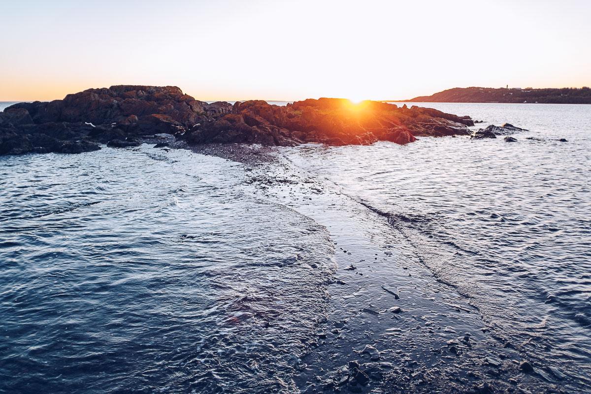 Refuse to hibernate domaine floravie lever du soleil sur les rochers