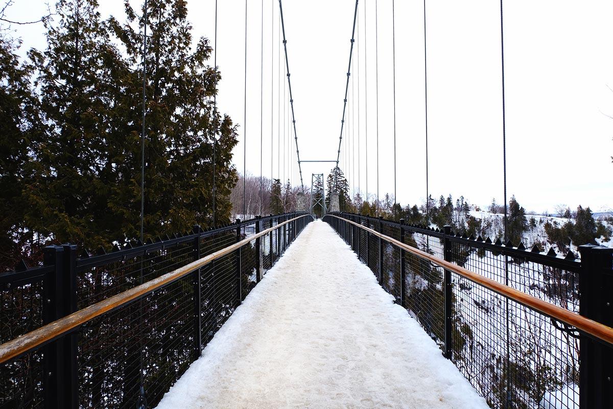 Refuse to hibernate Québec le pont au dessus de la chute Montmorency