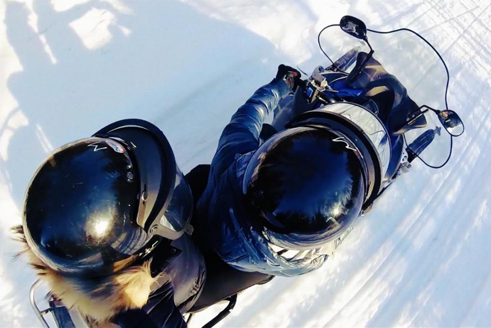 Vidéo, ski-doo sur l'Île d'Orléans