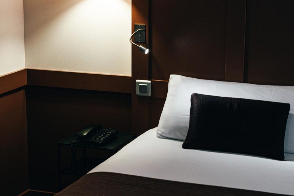 hôtel la Maison des Armateurs chambre lit Saint-Malo Refuse to hibernate