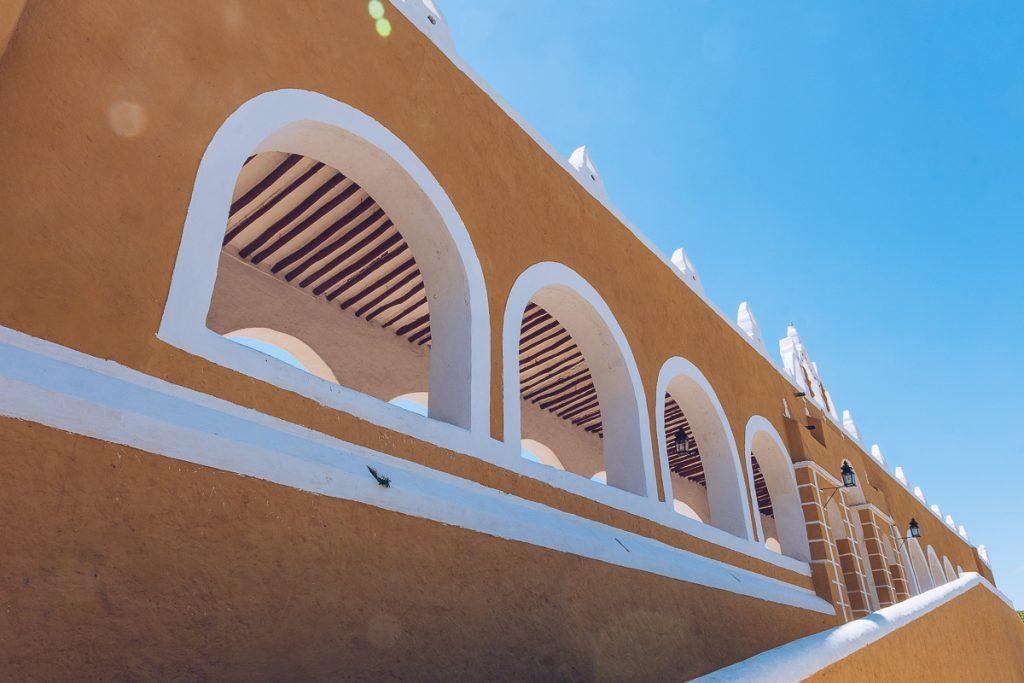 Refuse to hibernate izamal Convento arcades