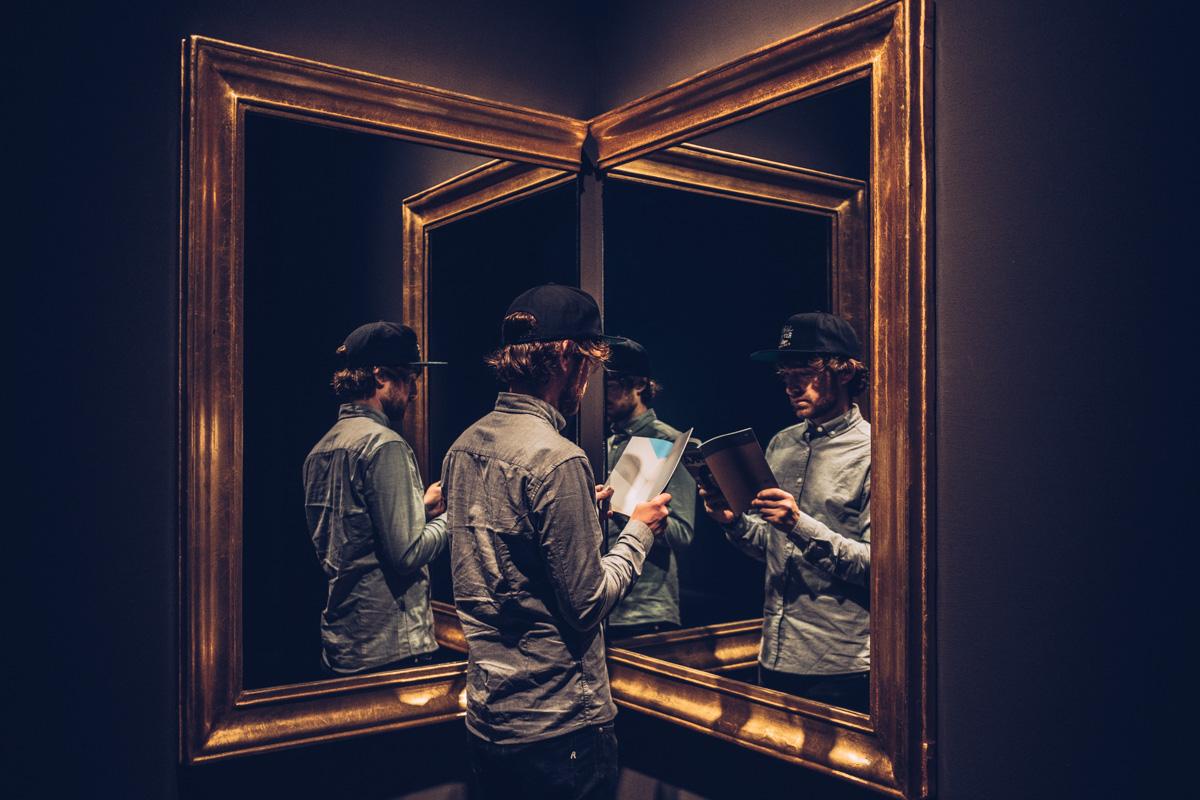 Refuse to hibernate Anvers mhka jeu de miroirs