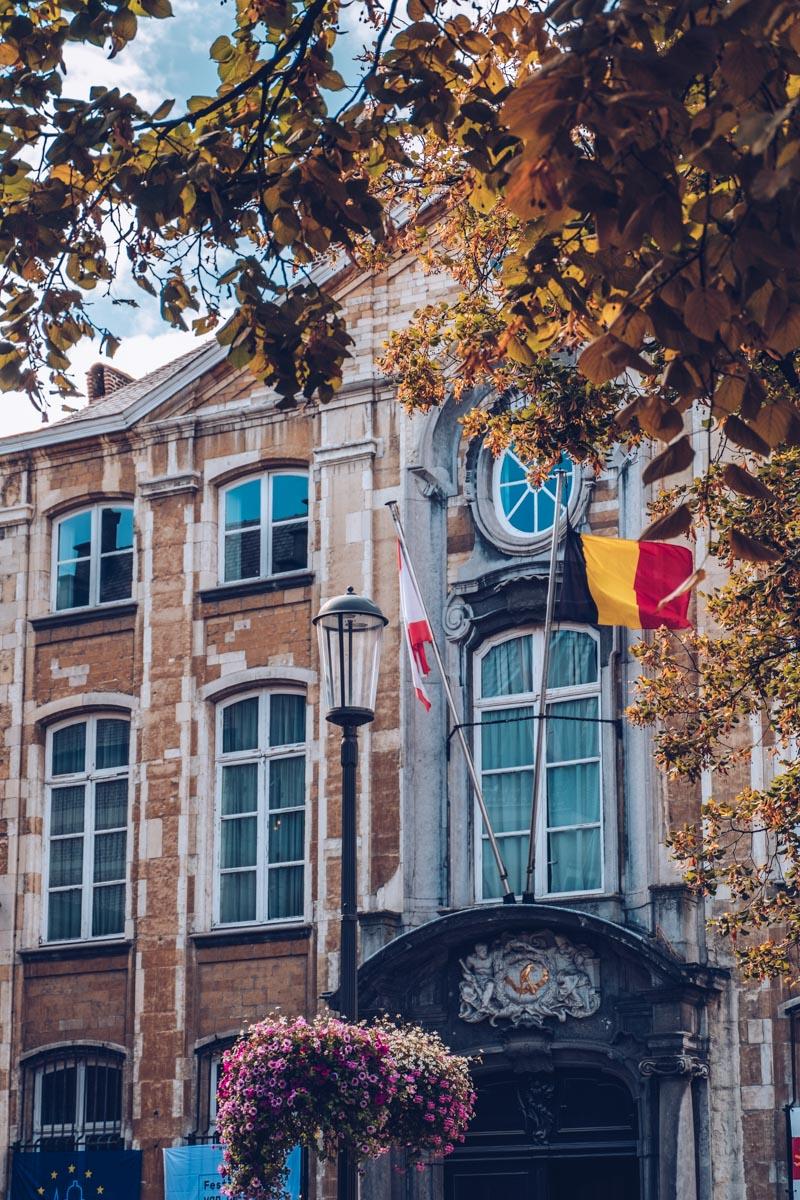 Refuse to hibernate Anvers musee plantin moretus facade