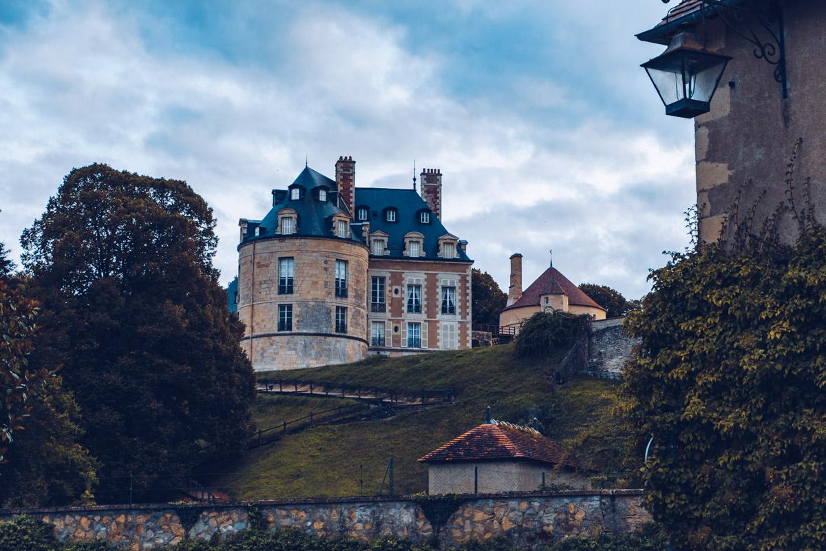 Refuse to hibernate nievre apremont chateau