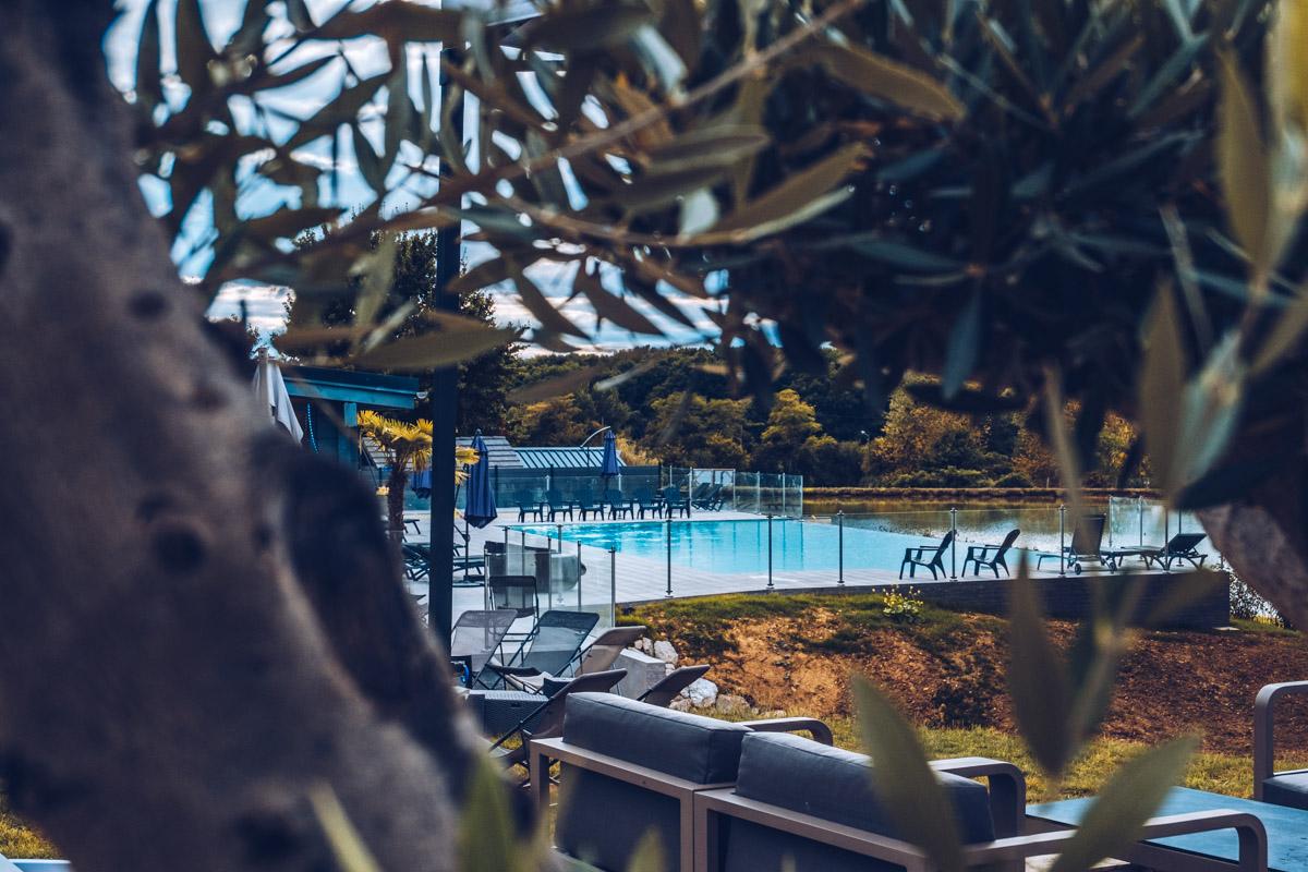 Refuse to hibernate nievre gimouille domaine du grand bois piscine
