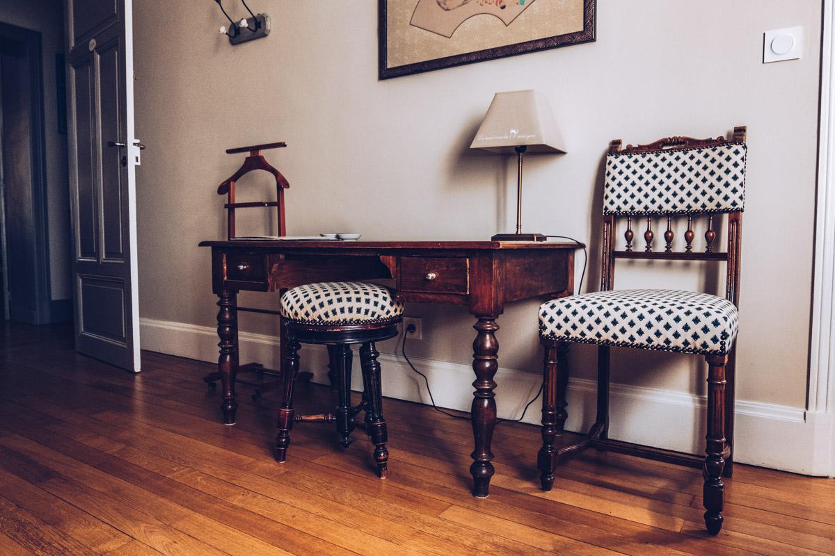 Refuse to hibernate nievre nevers chambres hotes cote parc-cote jardin table