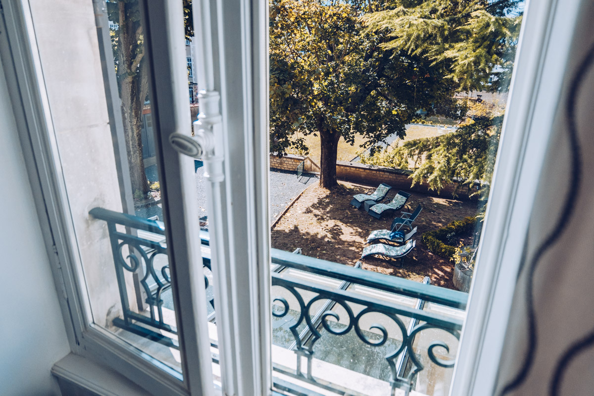 Refuse to hibernate nievre nevers chambres hotes cote parc-cote jardin vue jardin