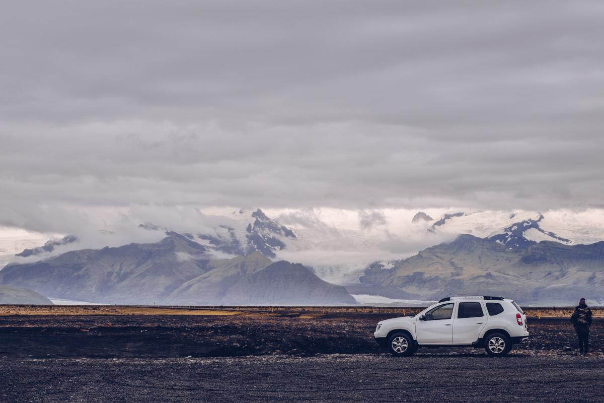 Refuse to hibernate islande audrey face au glacier