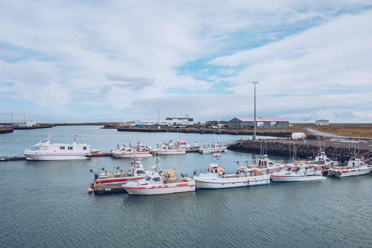 Refuse to hibernate islande hofn bateaux