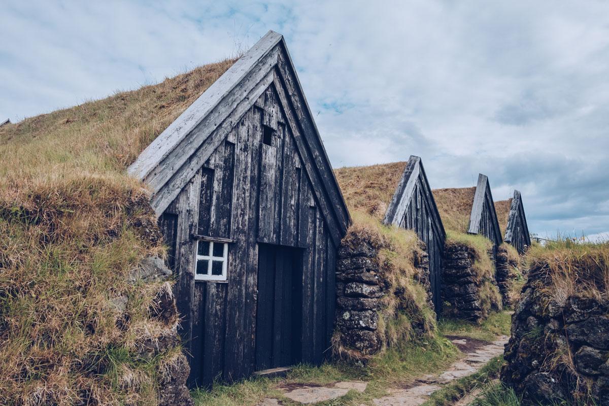 Refuse to hibernate islande keldur maisons en tourbe