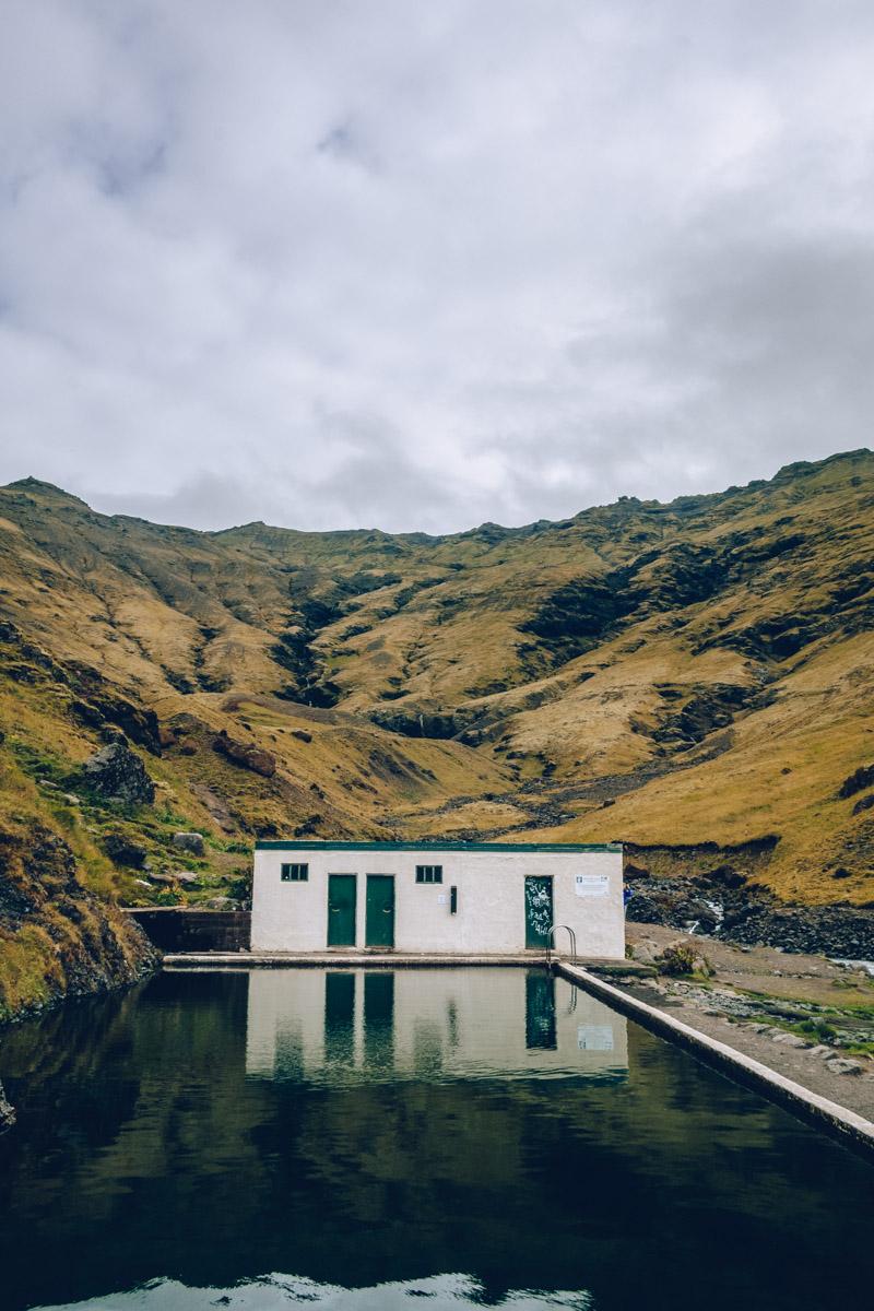 Refuse to hibernate islande piscine seljavallalaug
