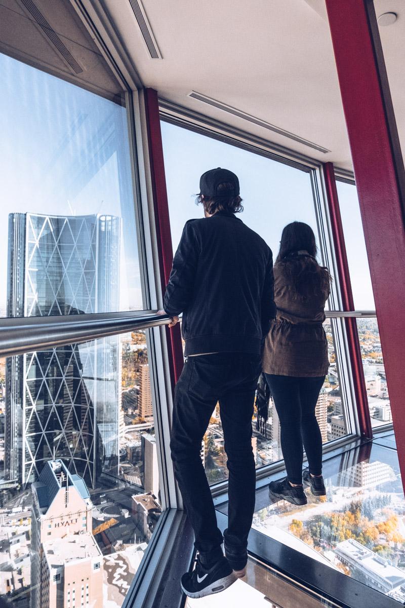 Refuse to hibernate Calgary tower audrey mickael au dessus du vide