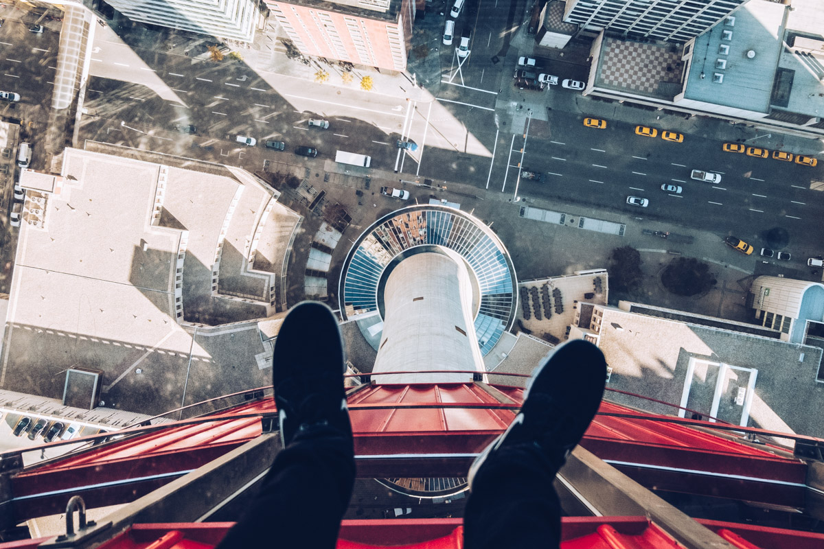 Refuse to hibernate Calgary tower le vide sous nos pieds