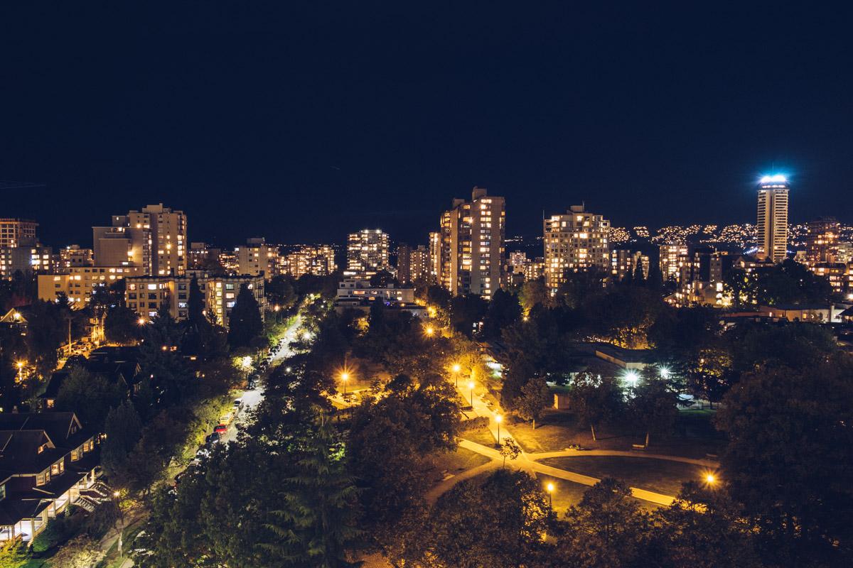 Refuse to hibernate Vancouver downtown vue de nuit