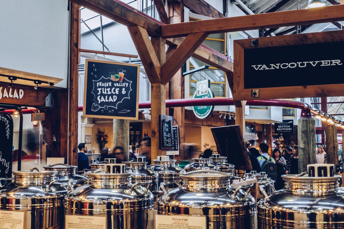 Refuse to hibernate Vancouver granville market interieur