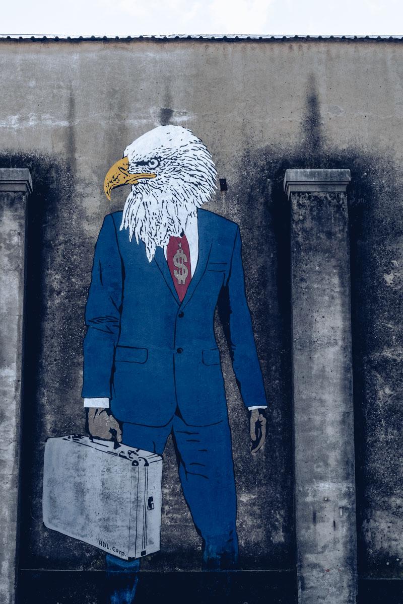Refuse to hibernate Lisbonne lx factory street art aigle