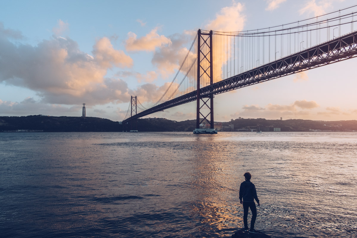 Refuse to hibernate Lisbonne pont du 25 avril coucher de soleil mickael