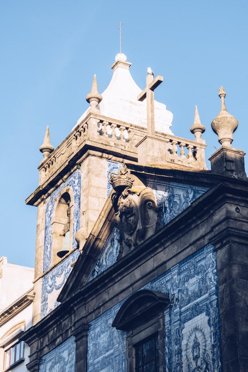 Refuse to hibernate Porto chapelle das Almas