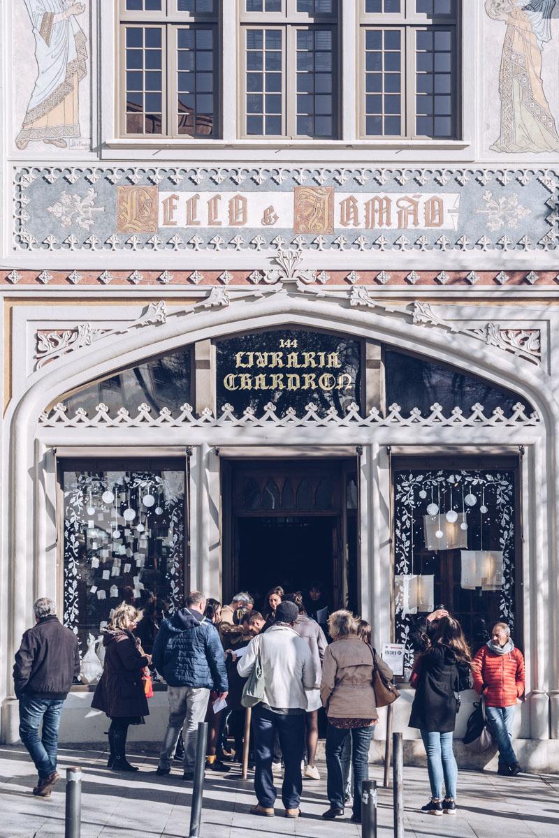 Refuse to hibernate Porto librairie Lello façade bas