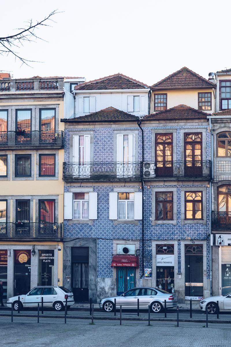 Refuse to hibernate Porto maisons azulejos