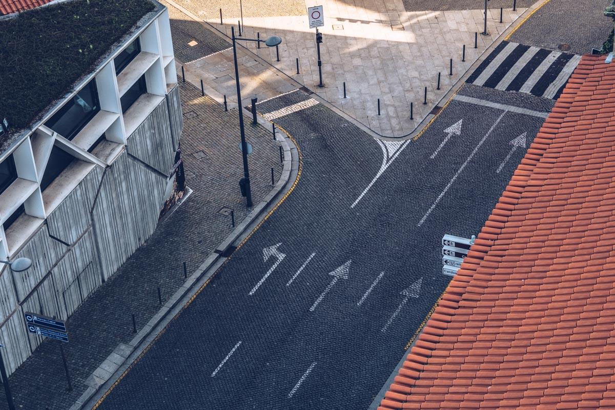 Refuse to hibernate Porto rue vide