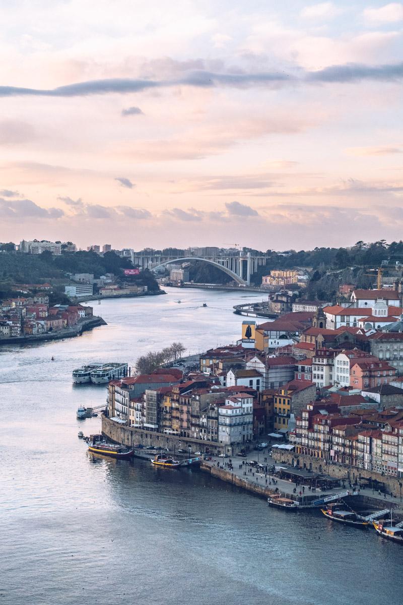 Refuse to hibernate Porto vue Douro depuis le pont Dom Luis