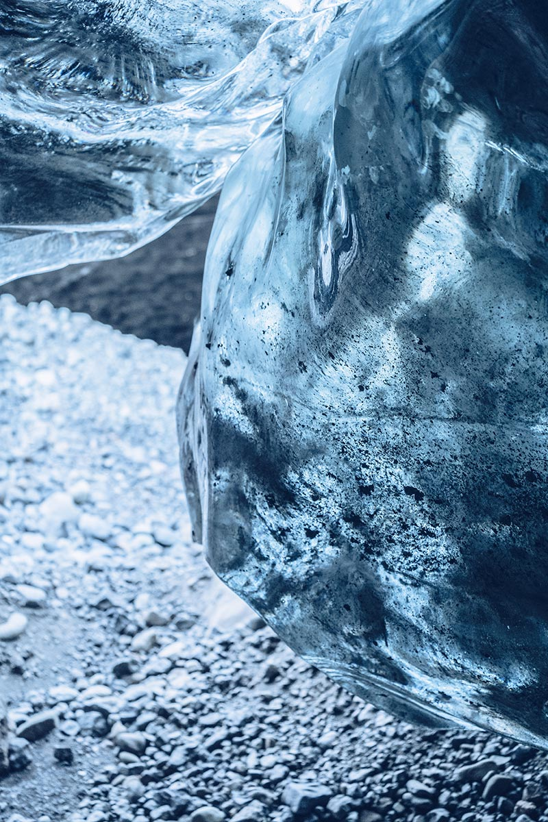 Refuse to hibernate Islande grotte de glace gros plan sur la glace