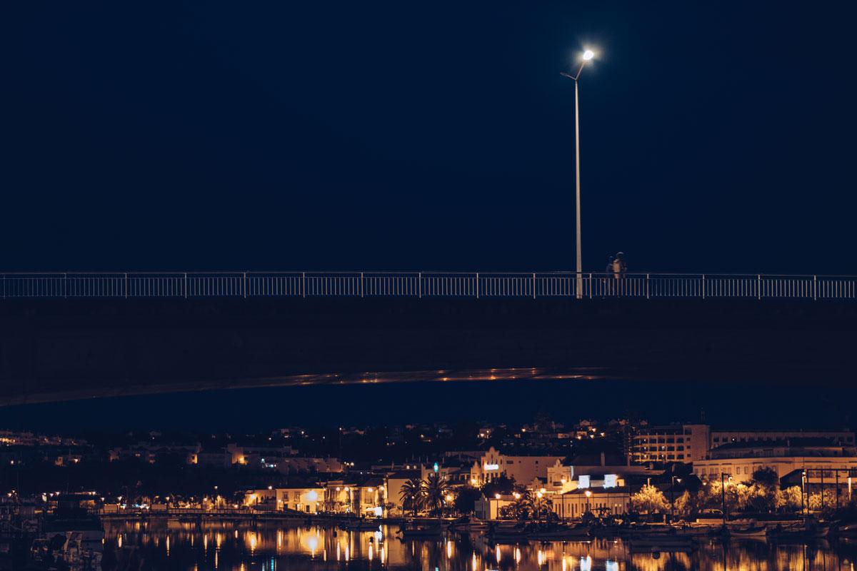Refuse to hibernate Portugal Tavira pont ville de nuit