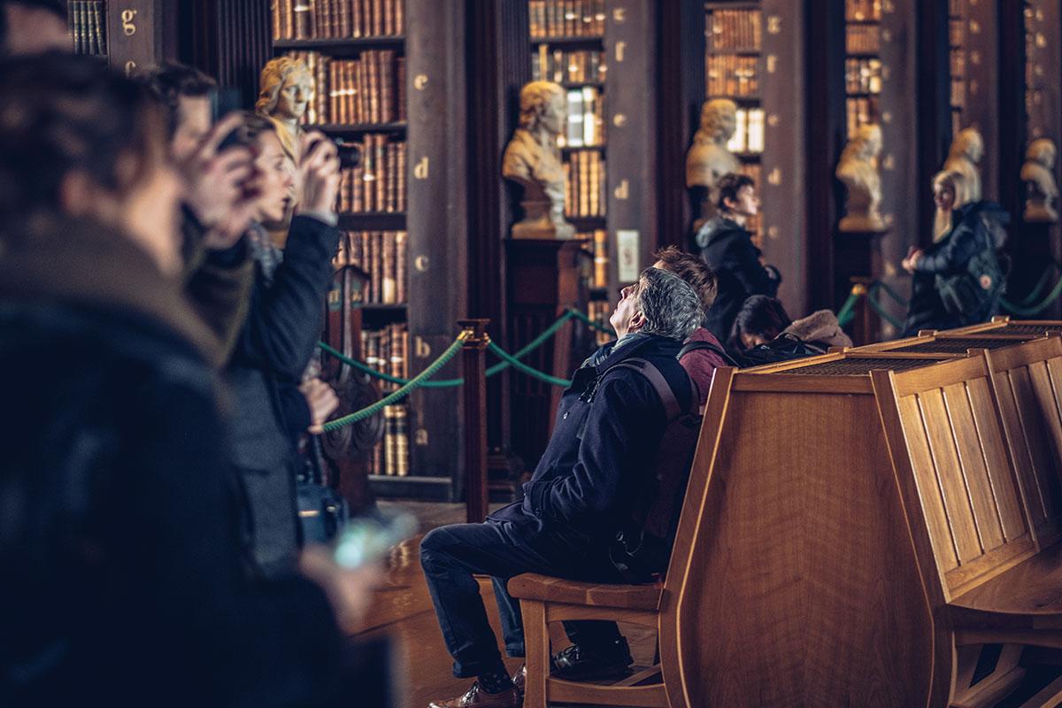 Refuse to hibernate Dublin bibliothèque Trinity College c'est haut