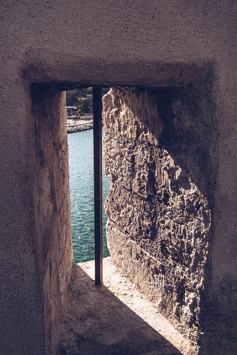 Refuse to hibernate Marseille Fort Saint-Jean meurtrière