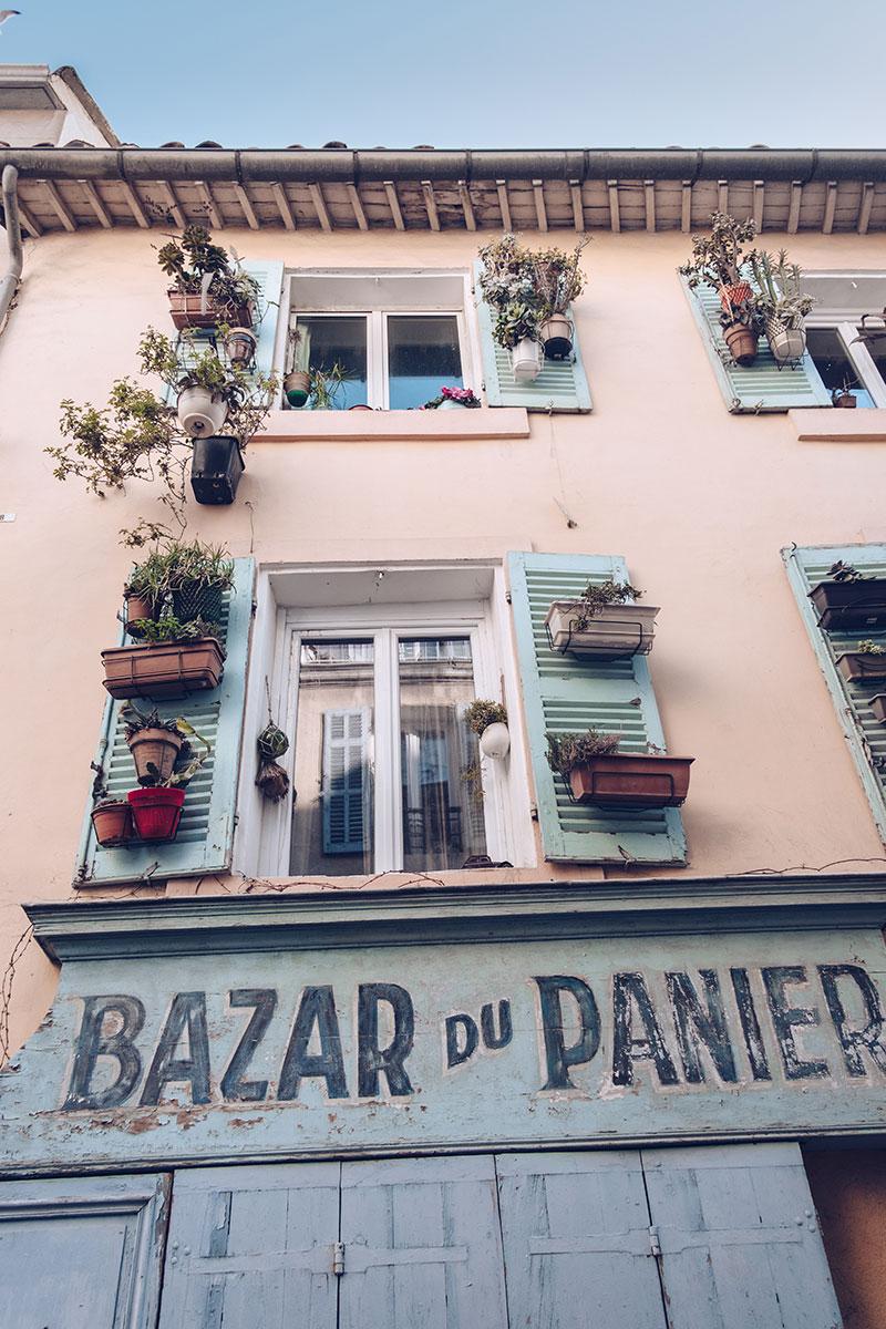 Refuse to hibernate Marseille quartier le panier bazar du panier