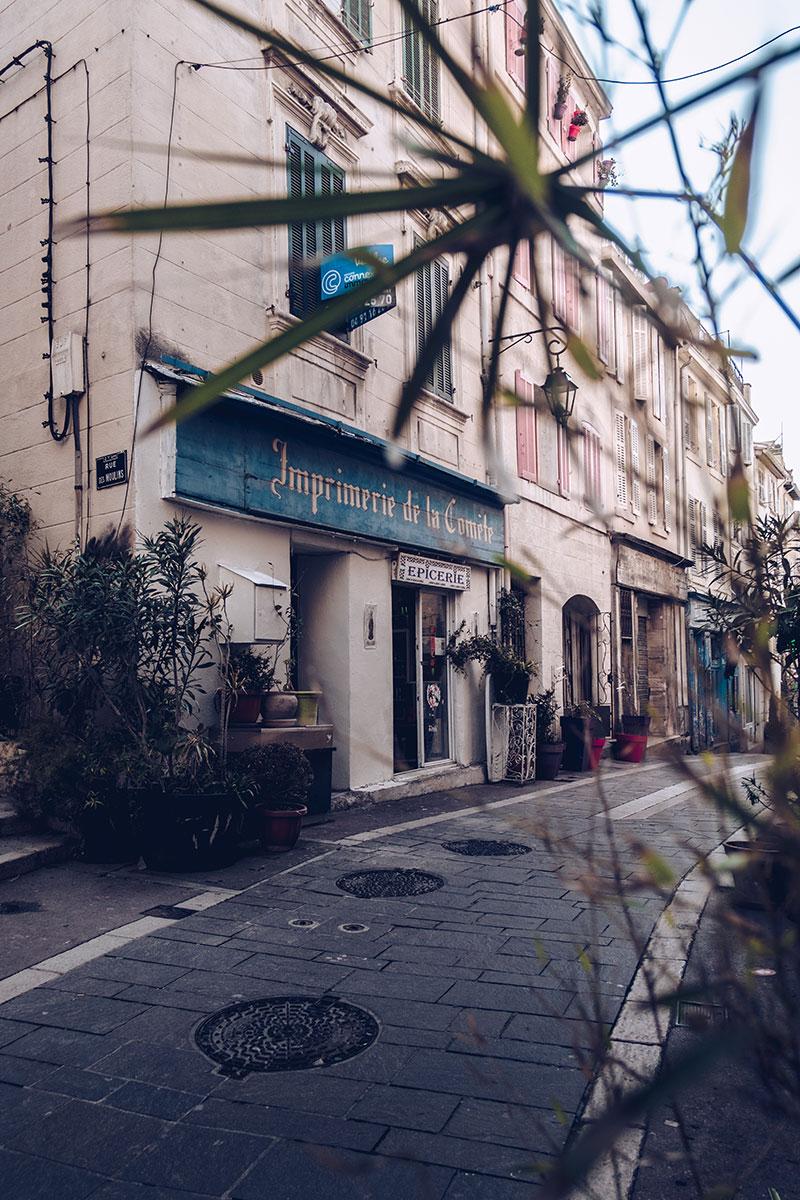 Refuse to hibernate Marseille quartier le panier épicerie