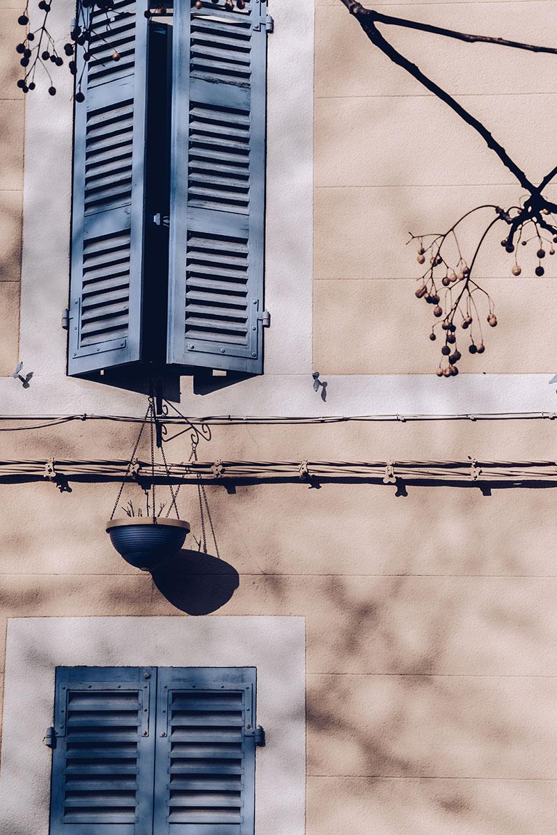 Refuse to hibernate Marseille quartier le panier volets