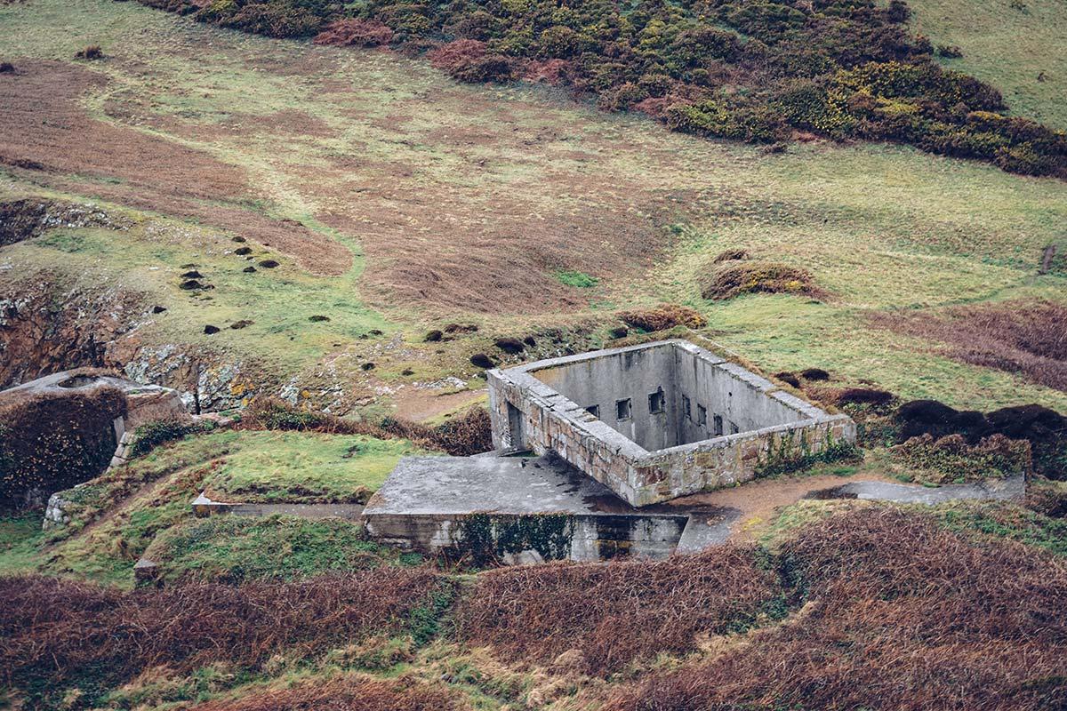 Refuse to hibernate Jersey Plémont bay blockhaus