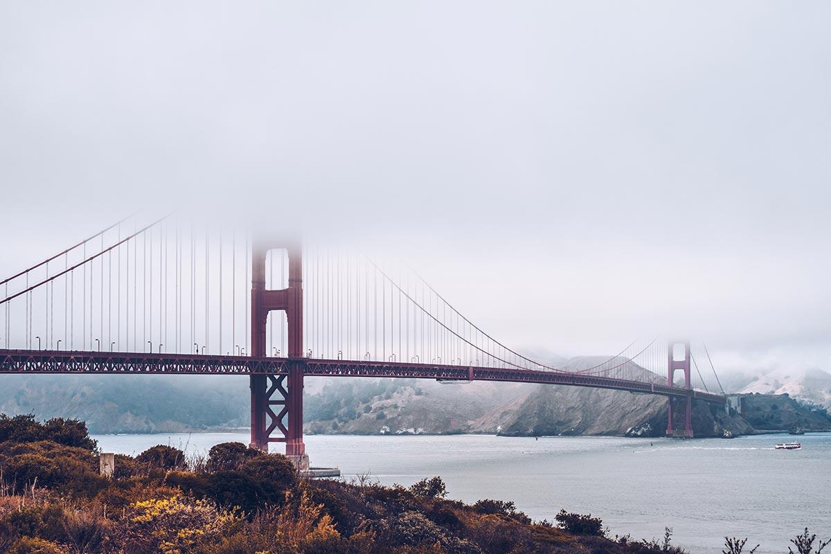 Refuse to hibernate San Francisco pont du Golden Gate dans le brouillard