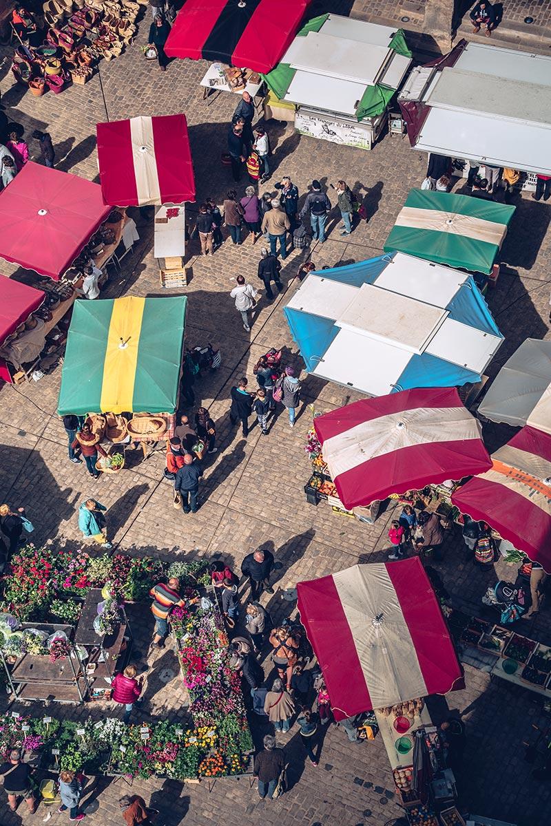 Refuse to hibernate Aveyron Villefranche-de-Rouergue marché depuis Collégiale Notre-Dame