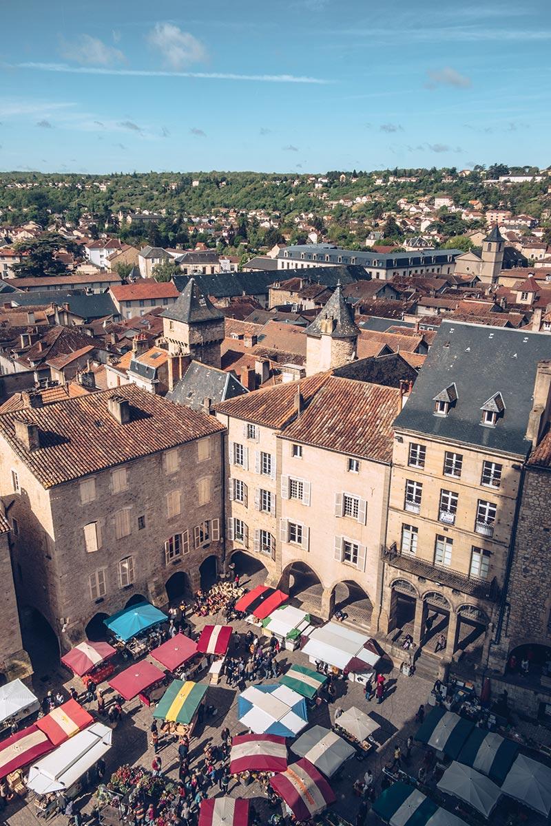 Refuse to hibernate Aveyron Villefranche-de-Rouergue Place du marché depuis Collégiale Notre-Dame