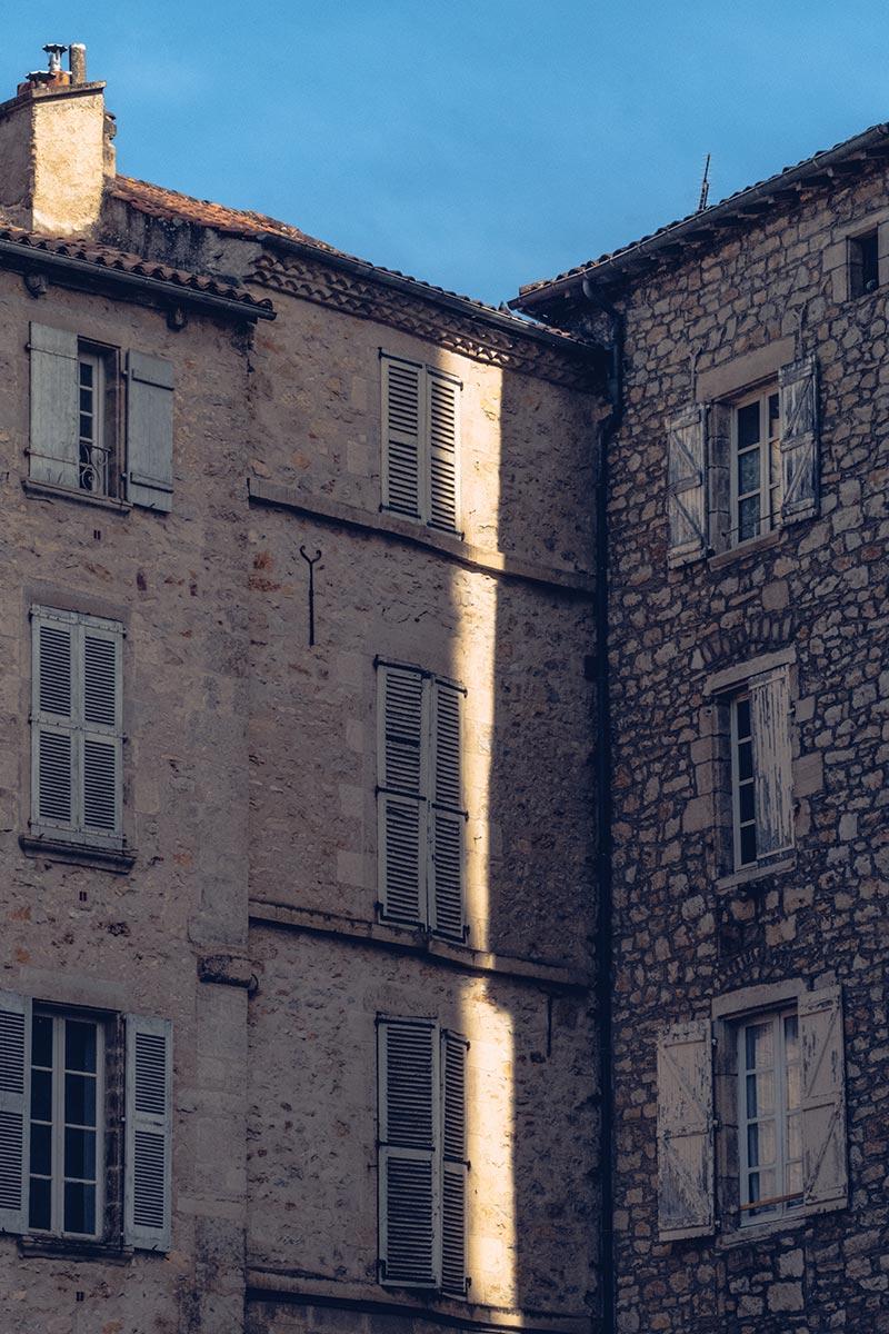 Refuse to hibernate Aveyron Villefranche-de-Rouergue Place du marché rayon soleil