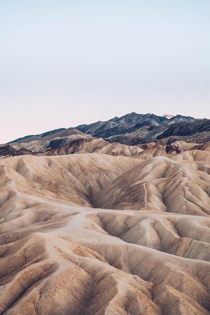 Refuse to hibernate Death Valley zabriskie point montagne