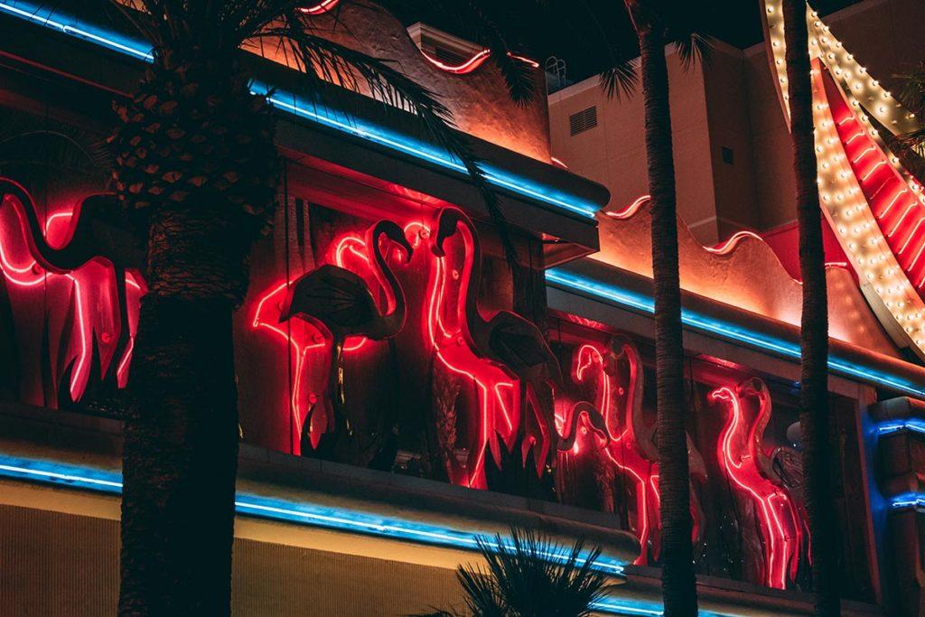 Refuse to hibernate Las Vegas hôtel Flamingo focus flamants roses