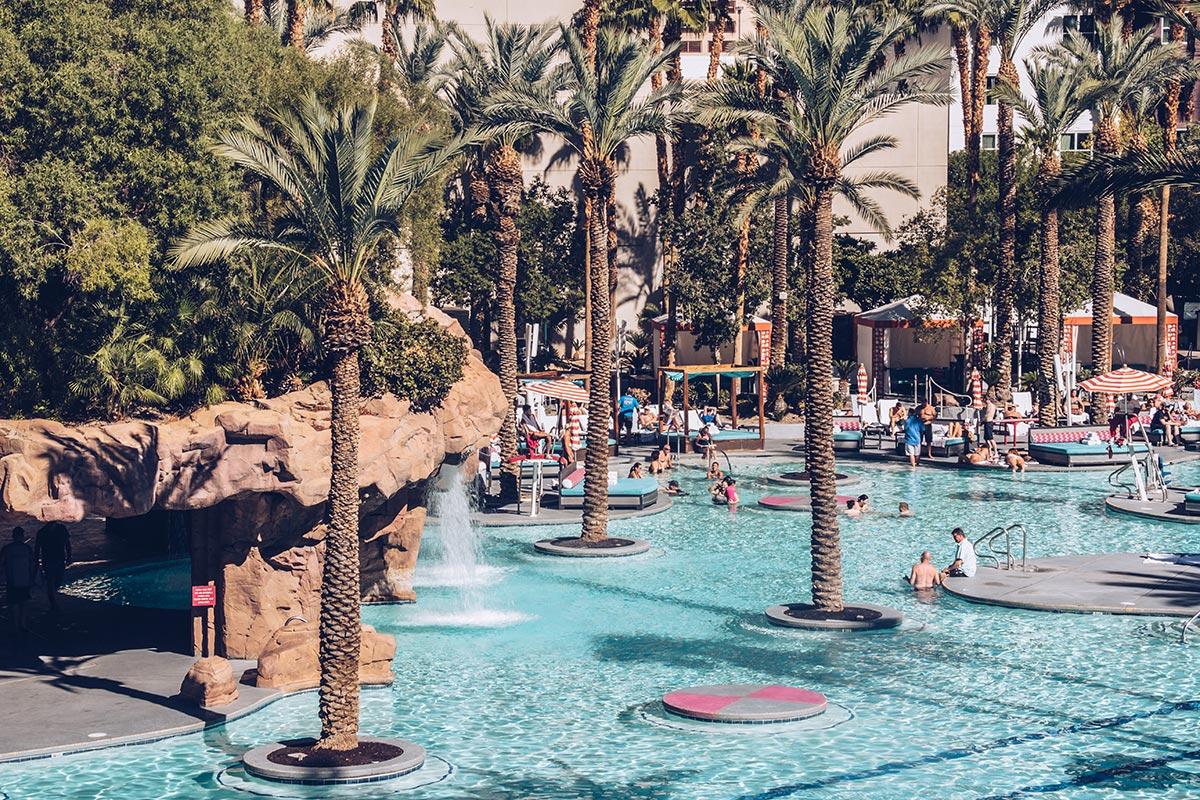 Refuse to hibernate Las Vegas hôtel Flamingo piscine