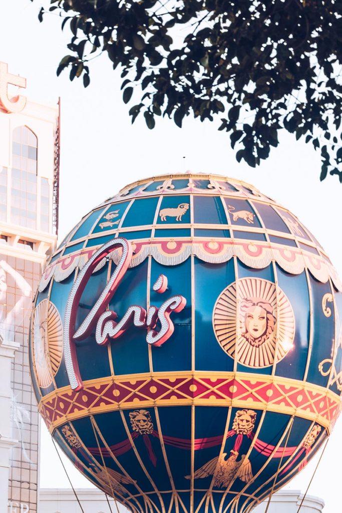 Refuse to hibernate Las Vegas hôtel Paris montgolfière de jour